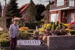 Galaxy studio visit with Harris